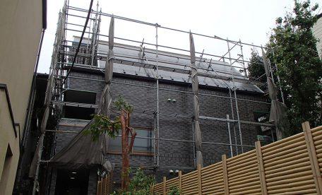 台風24号の強風時足場対策